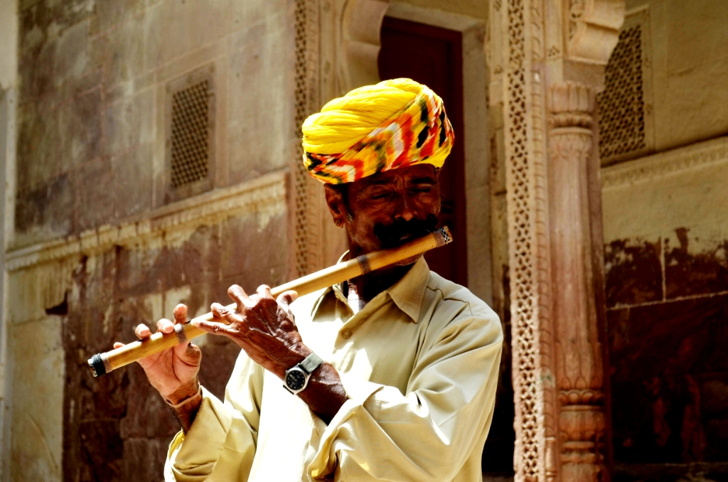 Met this man.. playing flute