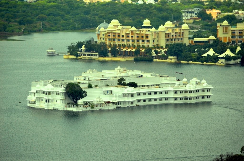 Lake Palace in Lake pichola from the top